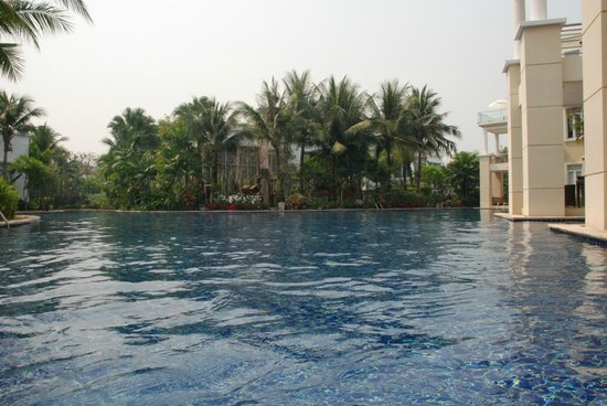 โรงแรมบลูลากูน รีสอร์ท หัวหิน: pool