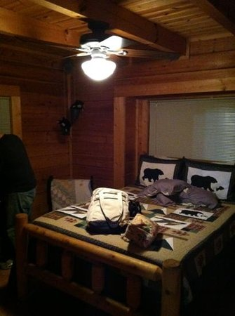 Mountain Shadows Log Home Resort:                   Bedroom