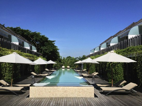 Kupu Kupu Jimbaran & Bamboo Spa by L'Occitane: Pool with the duplex rooms around it
