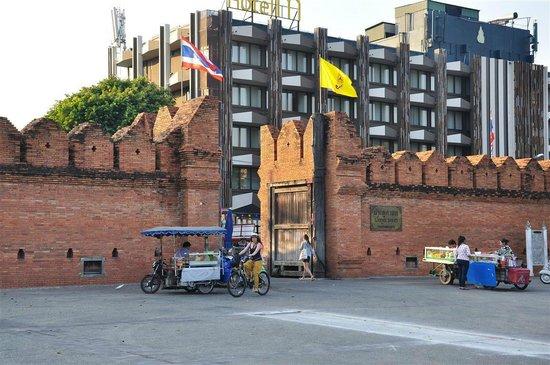 Safe House Court: Tha Phae Gate