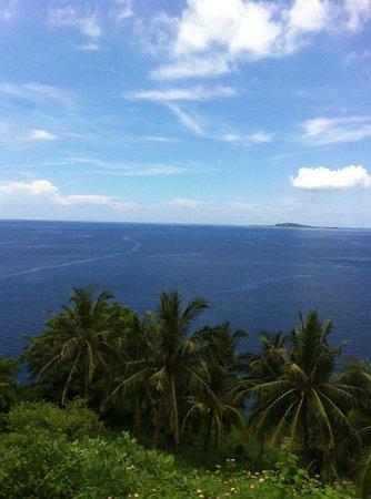 The Lombok Lodge:                   blue sea, blue sky