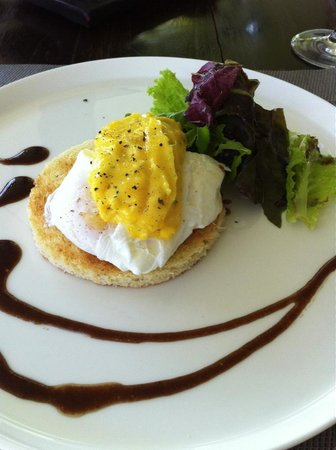 The Lombok Lodge:                   poach egg with hollandaise sauce