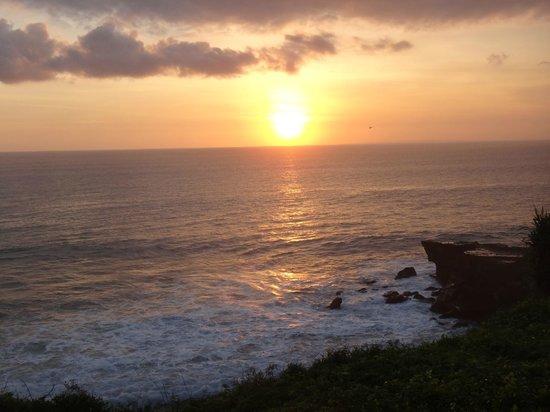 بان باسيفيك نيروانا بالي ريزورت:                   Sunset from the Sunset Lounge                 