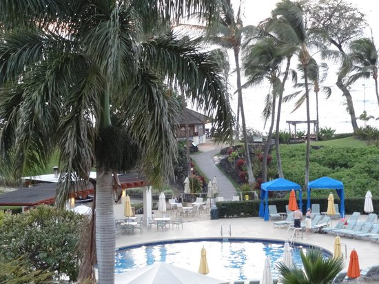 Makena Beach & Golf Resort: pool and beach access