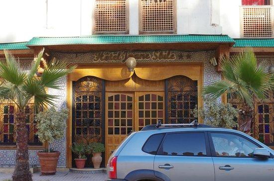 Hotel Jnane Sbile:                   玄関