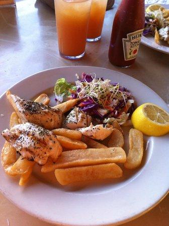 Pupu Lounge Seafood & Grill