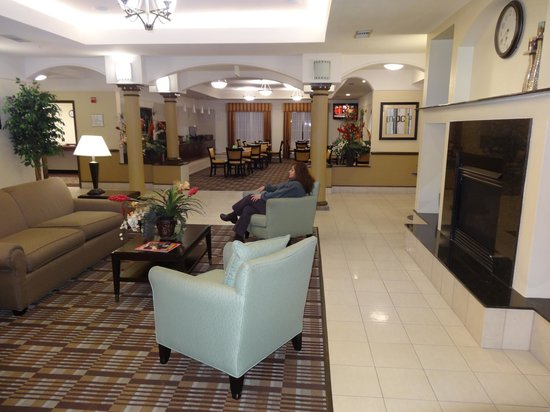 La Quinta Inn & Suites Houston / Clear Lake - NASA:                   View of the lobby, looking inwards towards the dining area.