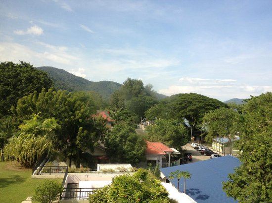 PARKROYAL Penang Resort, Malaysia: Partial sea view