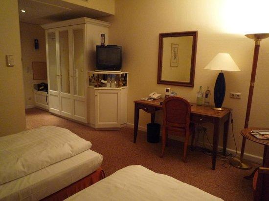 Radisson Blu Schwarzer Bock Hotel:                   ROOM