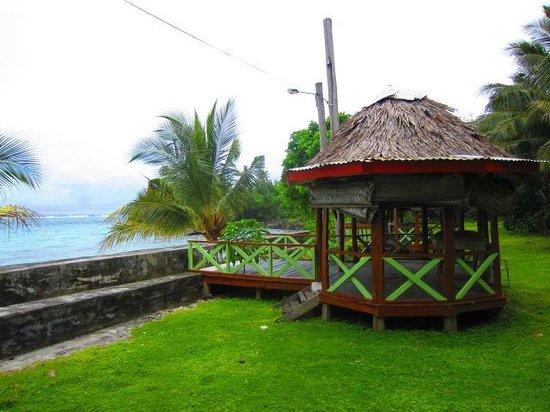 Vaisala Hotel:                   Samoan Fale