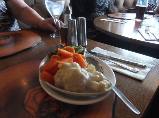Broughton Arms:                   Lovely vegetables.