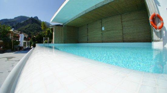 Hotel Marina Riviera: Pool