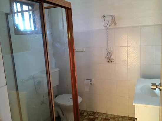 Alexander the Great Motel:                   Large clean bathroom with great water pressure.