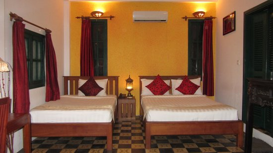 Golden Banana Bed & Breakfast & Boutique  Hotel:                   Superior room from one angle