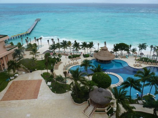 Grand Fiesta Americana Coral Beach Cancun:                   The pool and beach view from our room