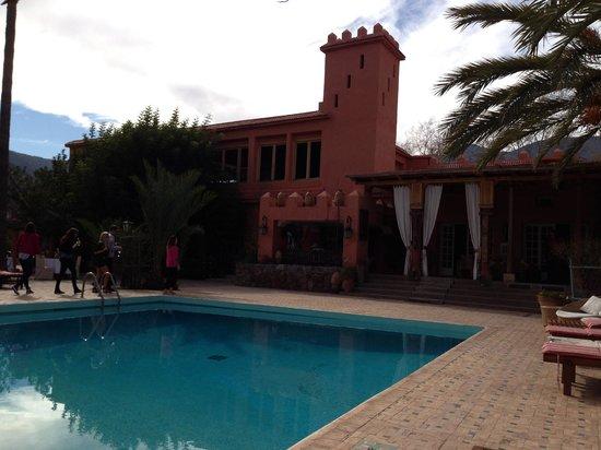 Domaine de la Roseraie:                                     The pool