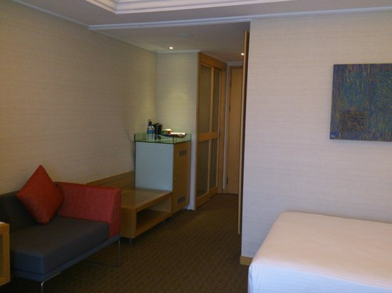 Novotel Singapore Clarke Quay: Superior Room 1704