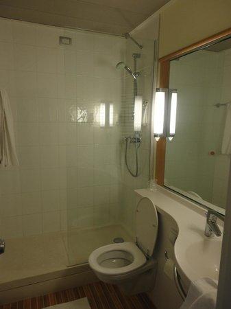 Ibis Milano Centro:                   Ni 2 toallas por persona
