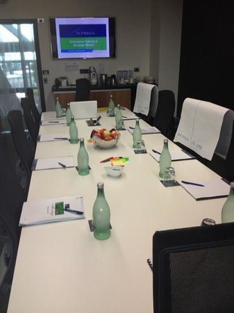 Novotel Auckland Airport:                                     meeting room all set and ready to go