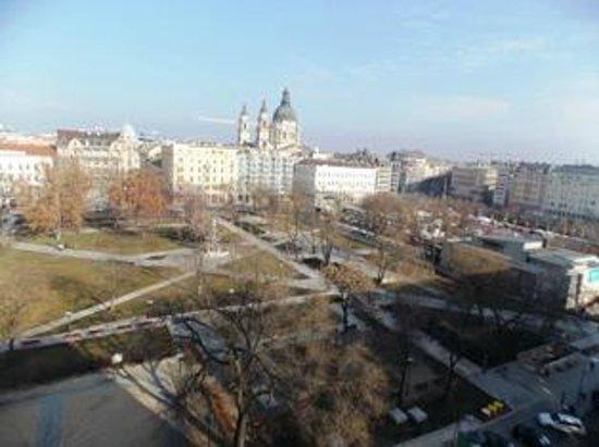 Kempinski Hotel Corvinus Budapest:                   panorama dalla camera
