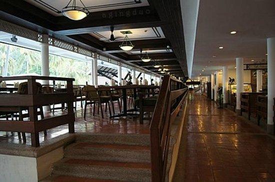 Cape Panwa Hotel:                                     Café Andaman – pool side