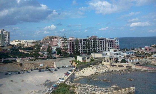 โรงแรมฮิลตันมอลท่า: The rear of the Hilton Malta