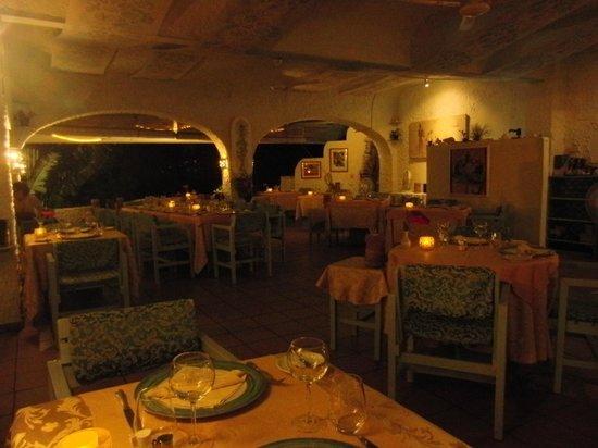 La Scala Restaurant :                   sala del ristorante