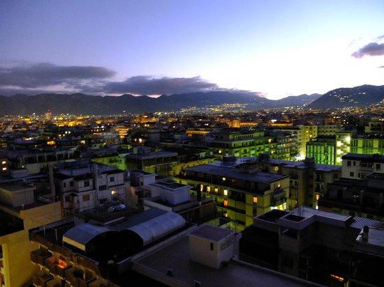 Attic 12 B&B:                   Vista di Palermo dall'Attic12