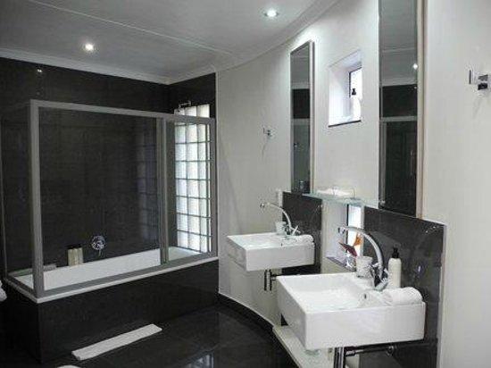 Großzügig. - Villa Afrikana Guest Suites