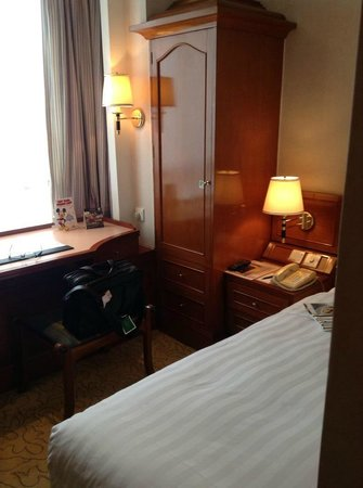 The Charterhouse Causeway Bay Hotel:                   Single room