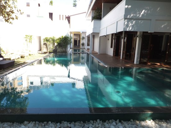 Colombo Court Hotel & Spa:                   プール
