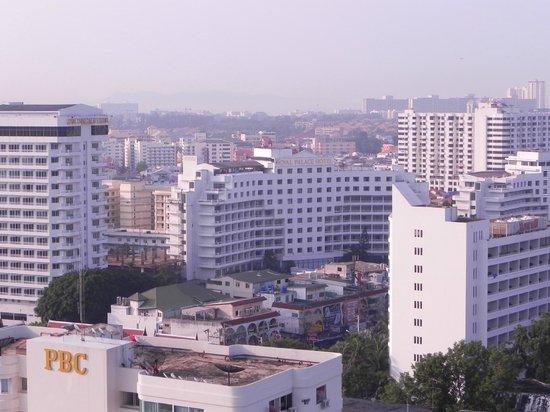 Pattya Centre Hotel:                   вид с окна