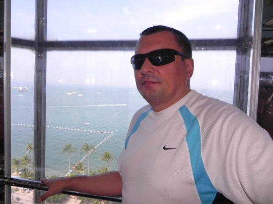 Pattya Centre Hotel:                   панорамный лифт