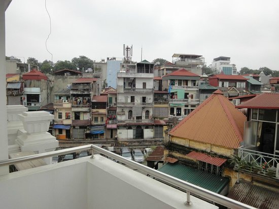 Rising Dragon Estate Hotel:                   View of Old Hanoi from Room Balcony