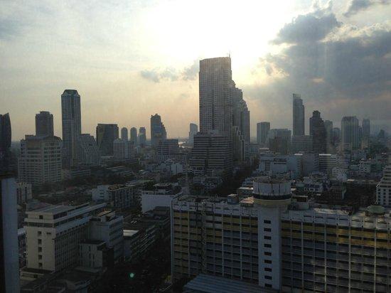 Pullman Bangkok Hotel G:                                     Snacks etc with this backdrop                             
