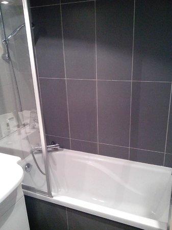 Hotel Red Fox :                                     Salle de bain