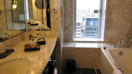 Hotel Granvia Kyoto:                   バスルーム