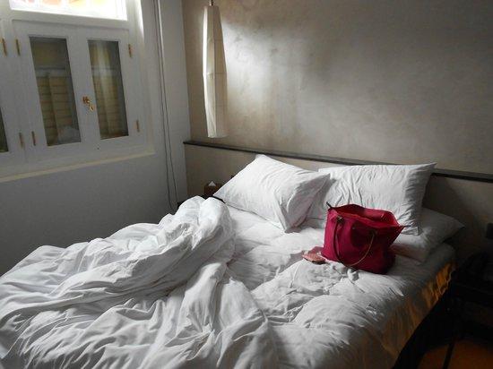 นาอุมิ ลิโอร่า:                   Bedroom