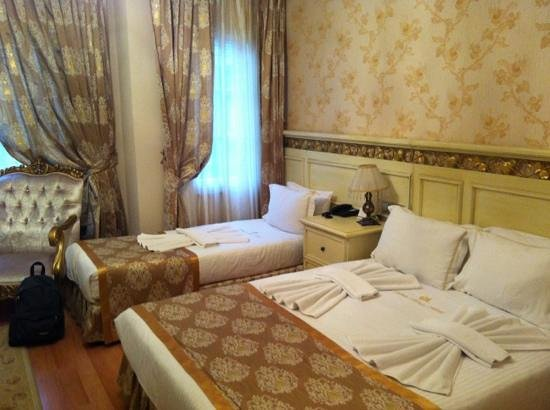 White House Hotel Istanbul:                   camera tripla