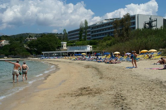 Mediterranee Hotel: View from the beach