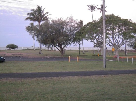 Bargara Beach Caravan Park:                   View to the beach