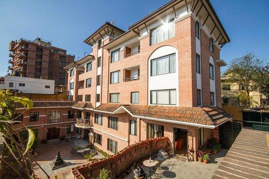 Ambassador Chauni Apartment-Hotel: Hotel Exterior