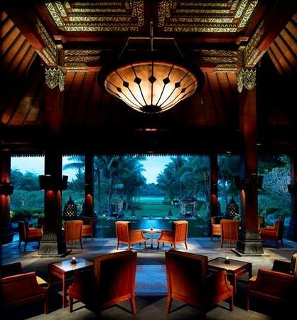 Ngaglik, Indonesia: Spectaculer views of Mount Merapi and Hyatt golf course from the open-air Joglo styled Lobby Cou