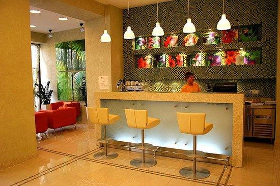 Nashotel Lobby-Bar
