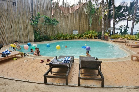 Microtel by Wyndham Boracay :                   Hotel's pool