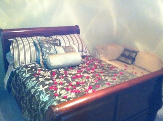Simon Kenton Inn:                   Virginia Hunt suite
