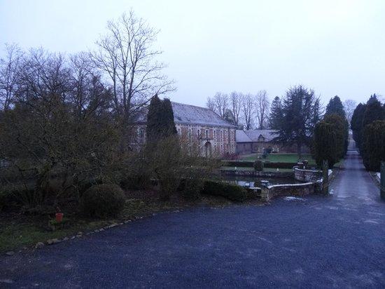 Chateau de Quesmy :                   Blick in die Parkanlage