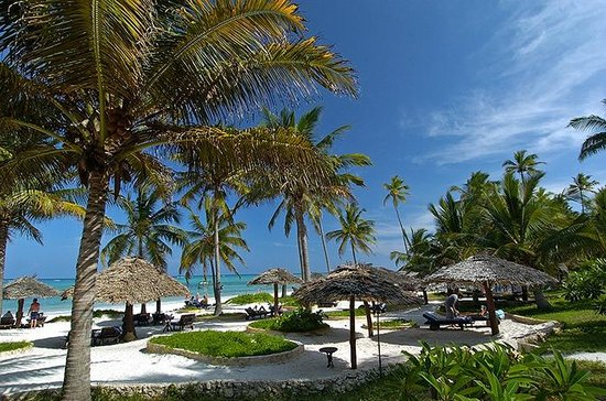 Foto De Breezes Beach Club Spa