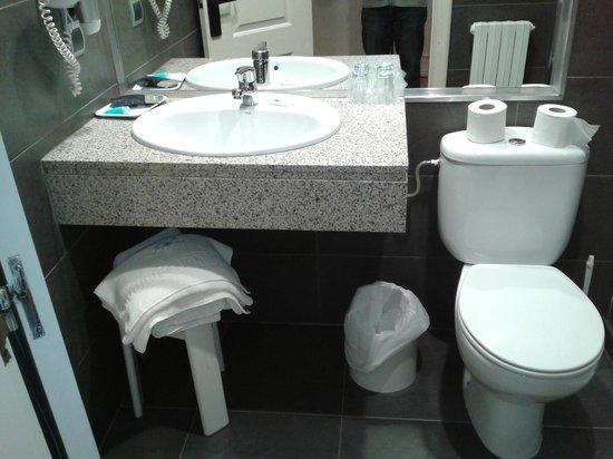 Hotel Sauce: Baño