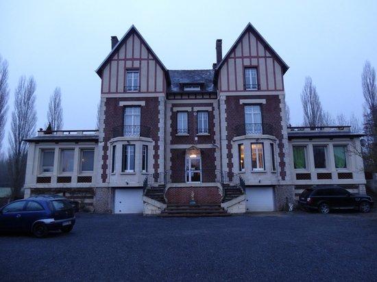 Chateau de Quesmy:                   Aussenansicht